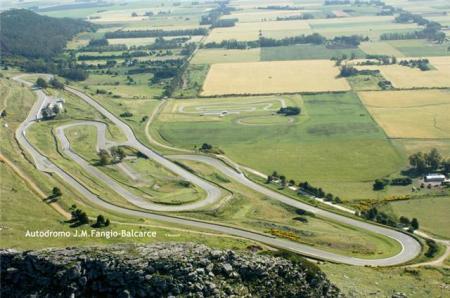 Autodromo Juan Manuel Fangio - Escenario deportivo del Turismo carretera y categorias zonales.