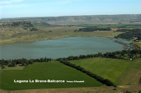 Laguna La Brava - Partido de Balcarce. Centro recreativo.